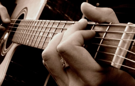 pincer-cordes-guitare